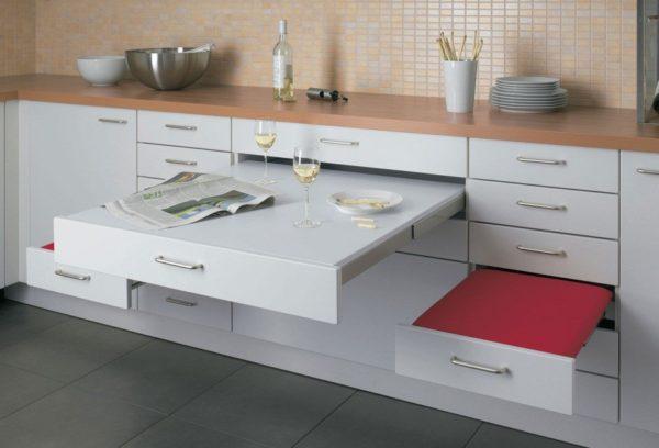 Кухня-прихожая: дизайн и функциональность помещения