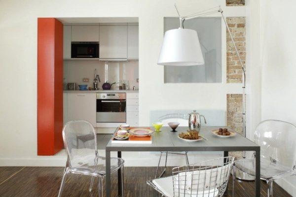 Вариант кухни-прихожей в полугостинке (кухня в нише)