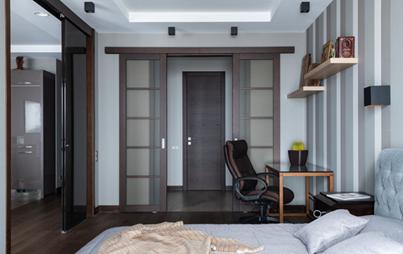 Раздвижная дверь с накладным механизмом для маленькой студийной квартирки